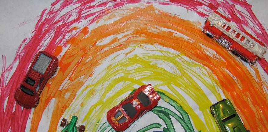 6 ideas de juegos y actividades para hacer con niños pequeños en casa