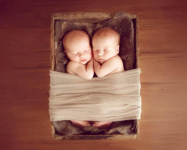 Poses y consejos para fotografiar a bebés recién nacidos