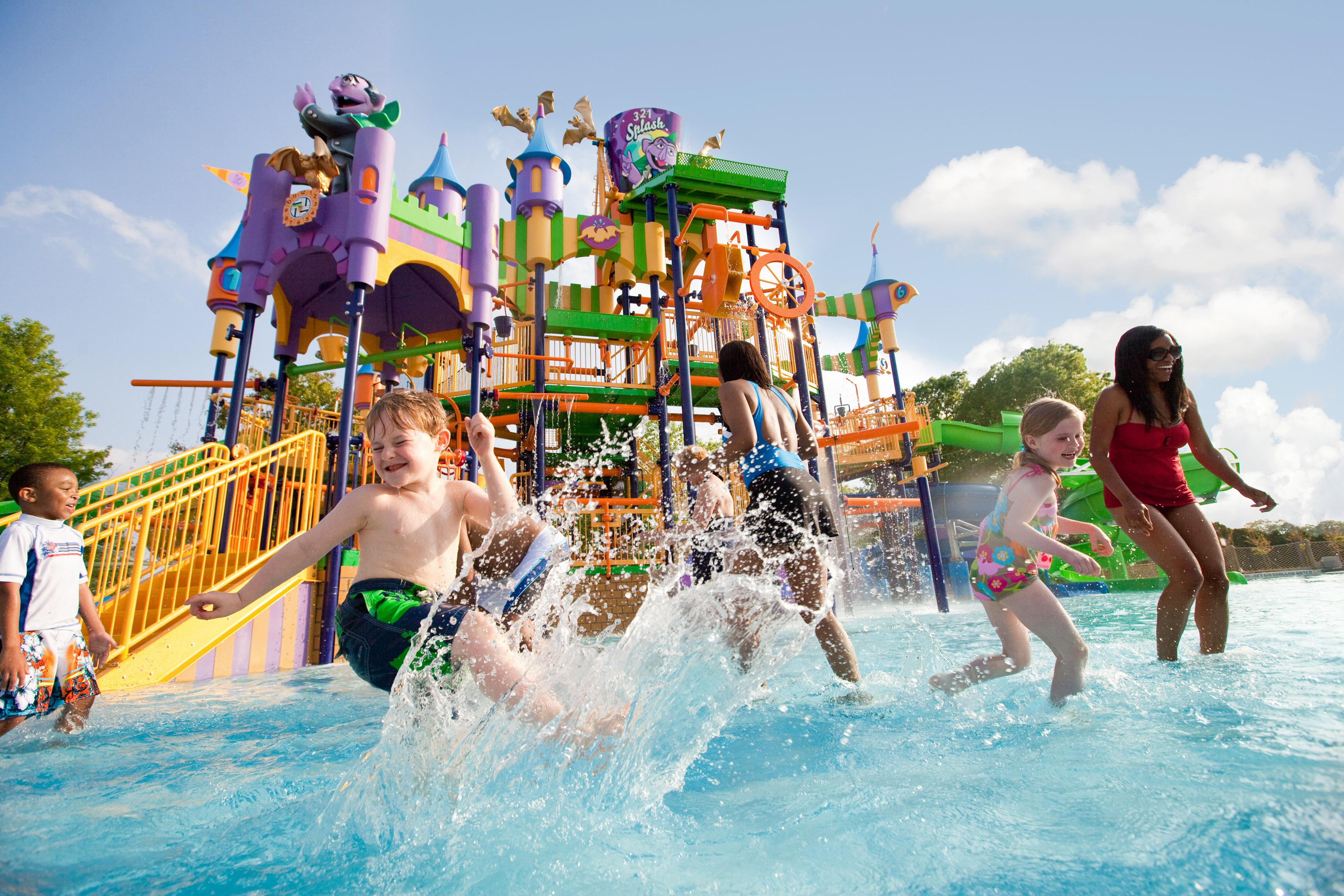 7 consejos para mantener a tus hijos seguros en un parque de diversiones