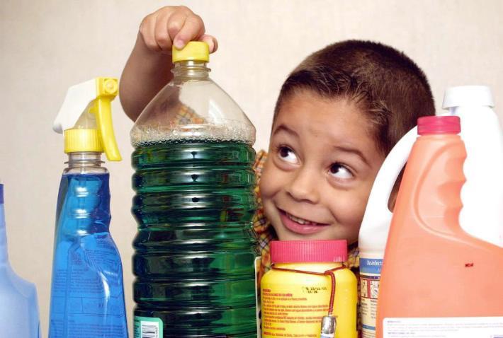 10 Consejos para evitar accidentes en la cocina con niños
